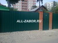 Недорогой забор из профнастила