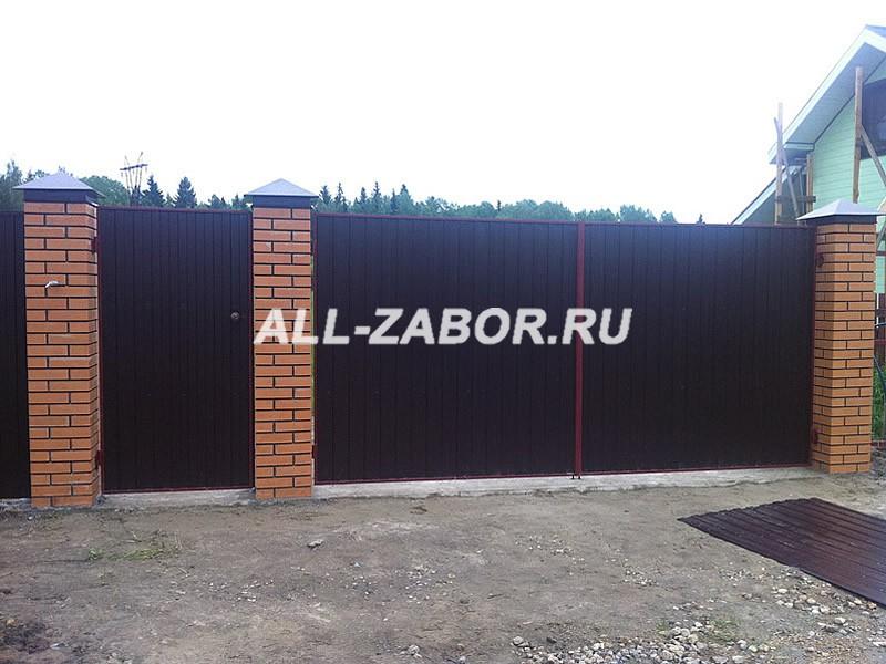 Забор из профлиста с кирпичными столбами своими руками 450