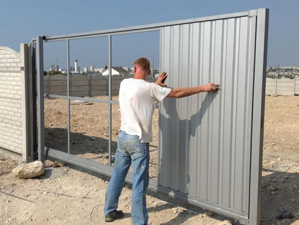 Раздвижные ворот цена за мантаж креслення металевих ворот