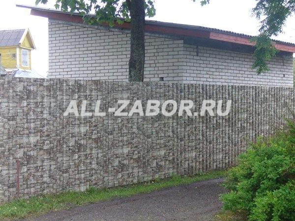Забор из профнастила с покрытием «под камень»