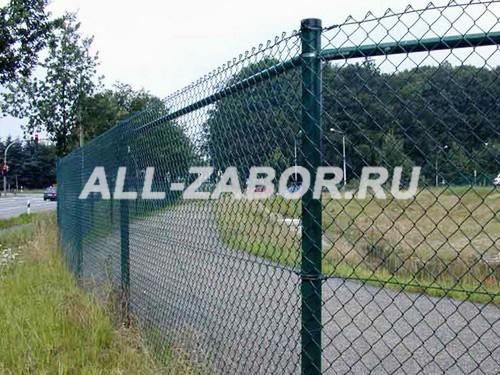 Забор из сетки рабицы внатяг